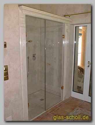 180 fluchtende duschen mit seitenteil und t r an der wand angeschlagen von glas scholl gmbh. Black Bedroom Furniture Sets. Home Design Ideas