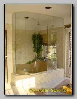 raum duschen whirlpool und sauna abtrennungen aus glas. Black Bedroom Furniture Sets. Home Design Ideas