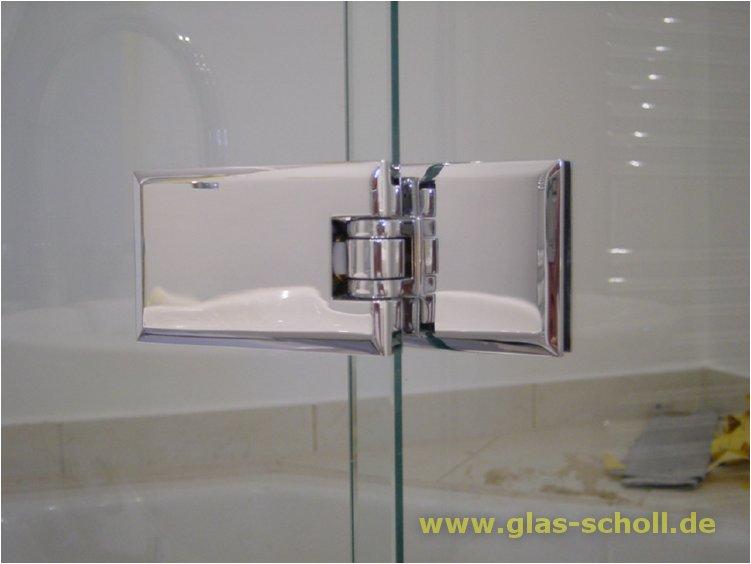 klappdusche auf badewanne mit dem milanobeschlag glas glas beschlag. Black Bedroom Furniture Sets. Home Design Ideas