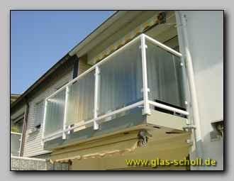 br stungen balkongel nder als absturzsicherung oder sichtschutz mit glas glas duisburg. Black Bedroom Furniture Sets. Home Design Ideas