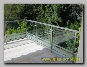 terassen balkon abtrennung mit folierter absturzsicherung. Black Bedroom Furniture Sets. Home Design Ideas