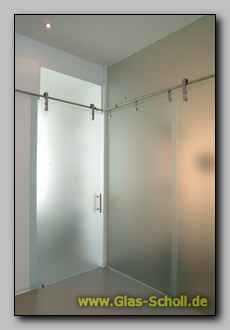 glasraum mit hiska schiebet ren aus satinatoglas. Black Bedroom Furniture Sets. Home Design Ideas
