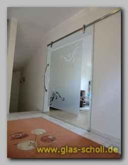 schiebet re mit eckigem hiska system plan ohne rillen als wohnzimmerabtrennung mit tzdekor. Black Bedroom Furniture Sets. Home Design Ideas
