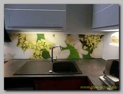 k chenspritzschutz mit apfelbl ten digitaldruckmotiv von. Black Bedroom Furniture Sets. Home Design Ideas