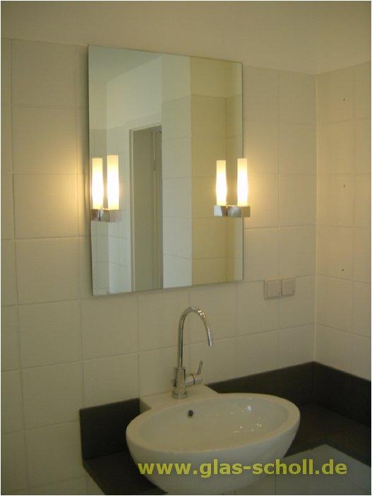 verschiedene spiegel schlichter spiegel mit leuchten. Black Bedroom Furniture Sets. Home Design Ideas